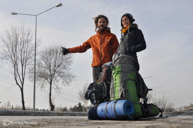 Winter hitchhiking at the exit of Erzurum